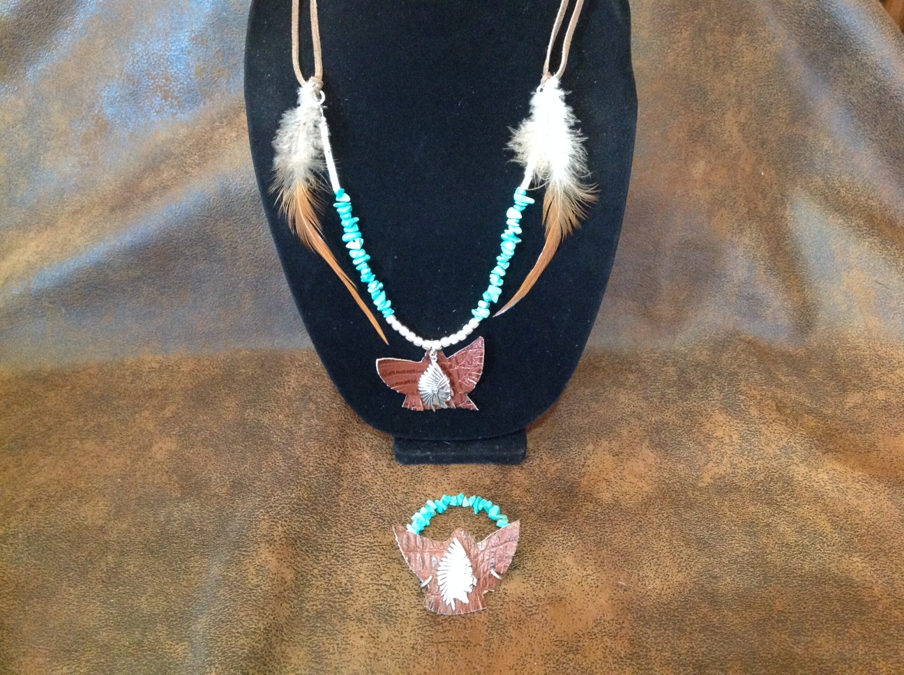 "29"" Silver,Turquoise and Leather feathered necklace"
